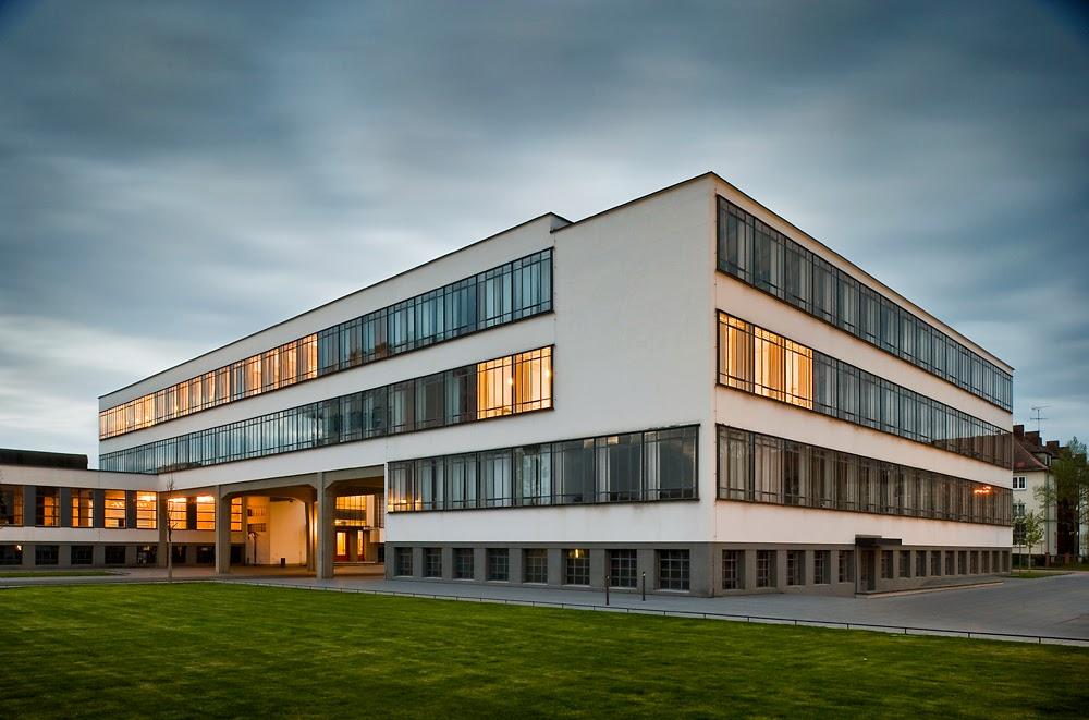 Fachada da escola Bauhaus na Alemanha