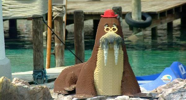 Animal feito de lego na Legoland em Windsor