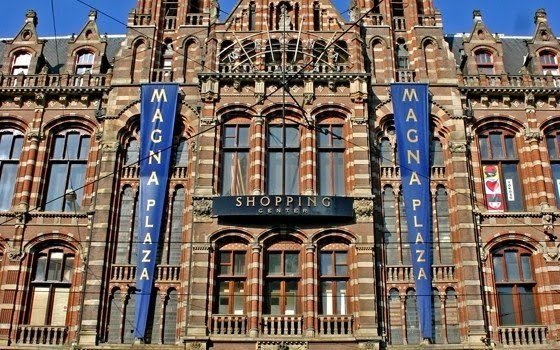 Shopping Magna Plaza em Amsterdam