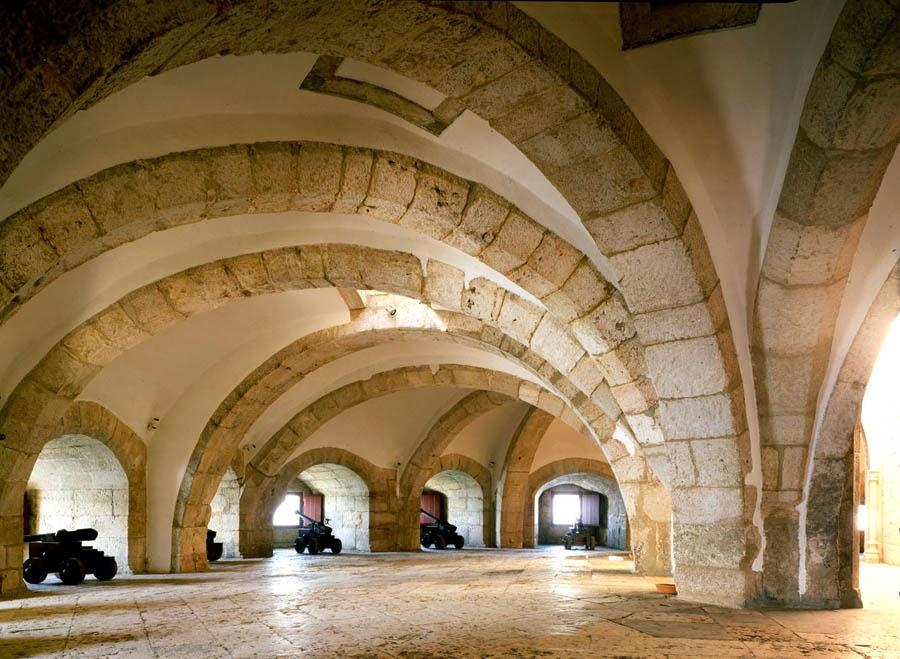 Interior da Torre de Belém em Lisboa em Portugal