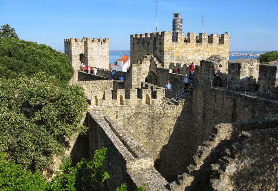 Visitantes no Castelo de São Jorge em Lisboa