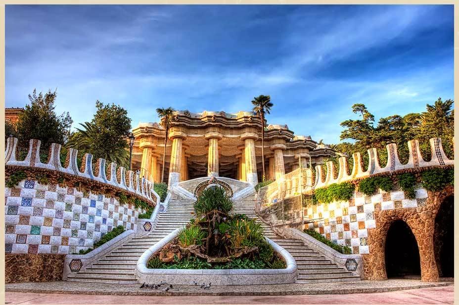 Escadas no Parque Guell em Barcelona na Espanha