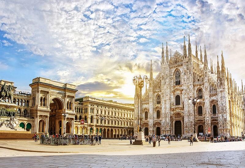 Piazza Duomo em Milão | Itália