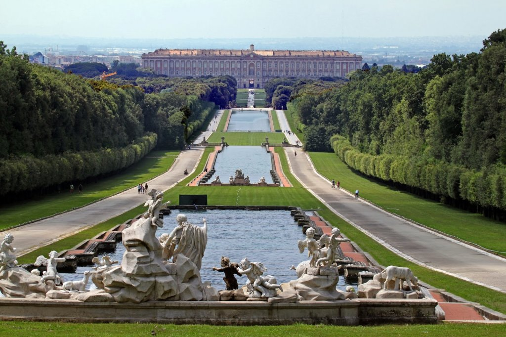 Jardim de Reggia Palácio de Caserta na Itália