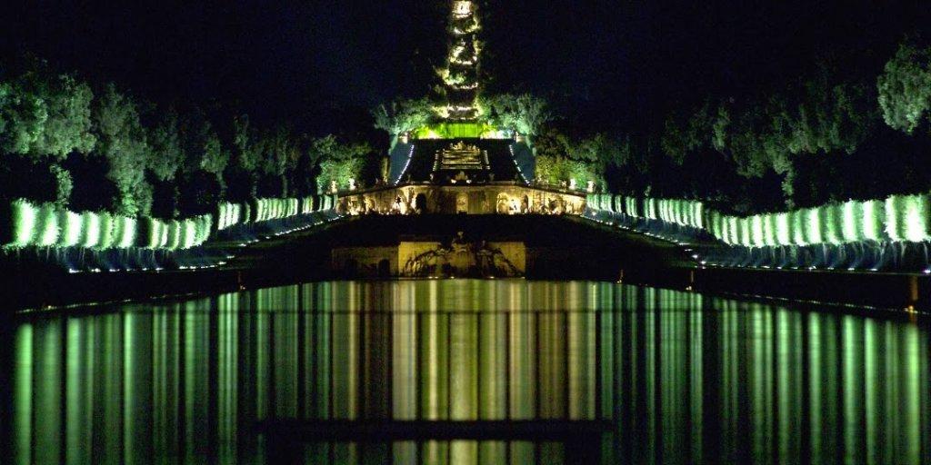 Reggia Palácio de Caserta na Itália de noite