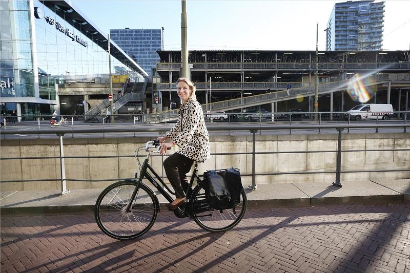 Andando de bicicleta na Holanda