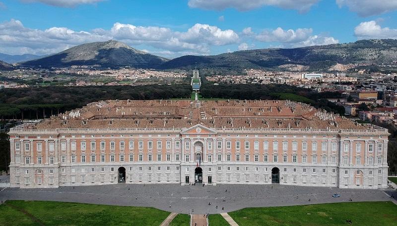 Vista de Reggia Palácio de Caserta na Itália