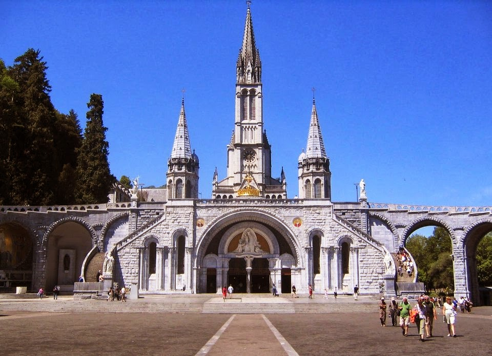 Santuário de Lourdes na França