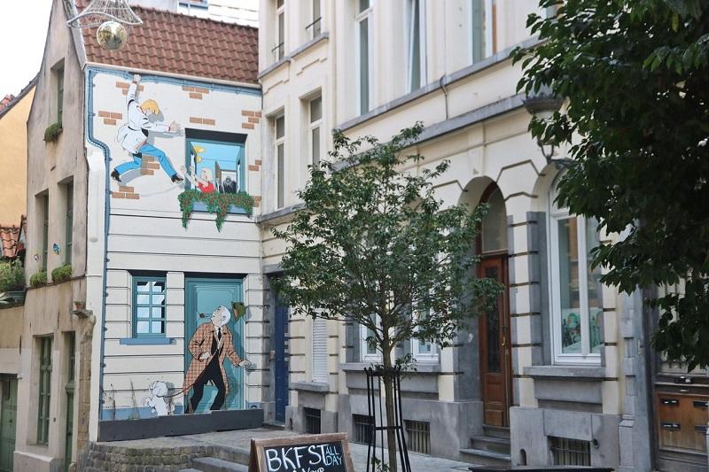 Desenhos nos prédios de Bruxelas | Bélgica