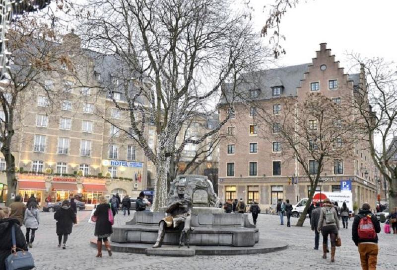 Praça Place de L'Agora em Bruxelas | Bélgica