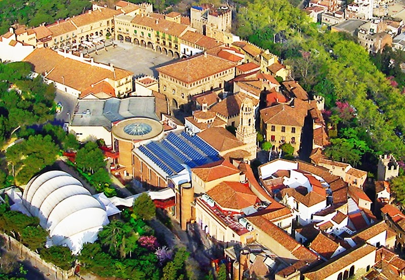 Poble Espanyol em Barcelona vista de cima