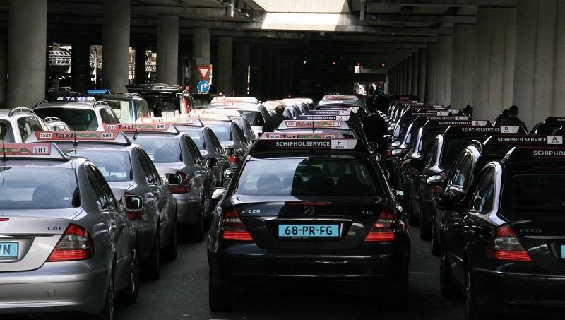 Andando de Táxi na Holanda