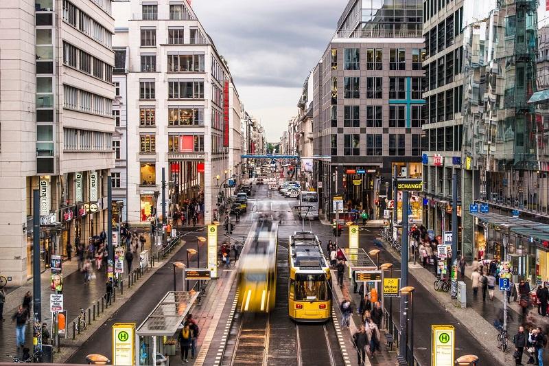 Compras na Rua Friedrichstrasse em Berlim – Alemanha