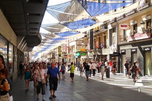 Calle de Preciados em Madri