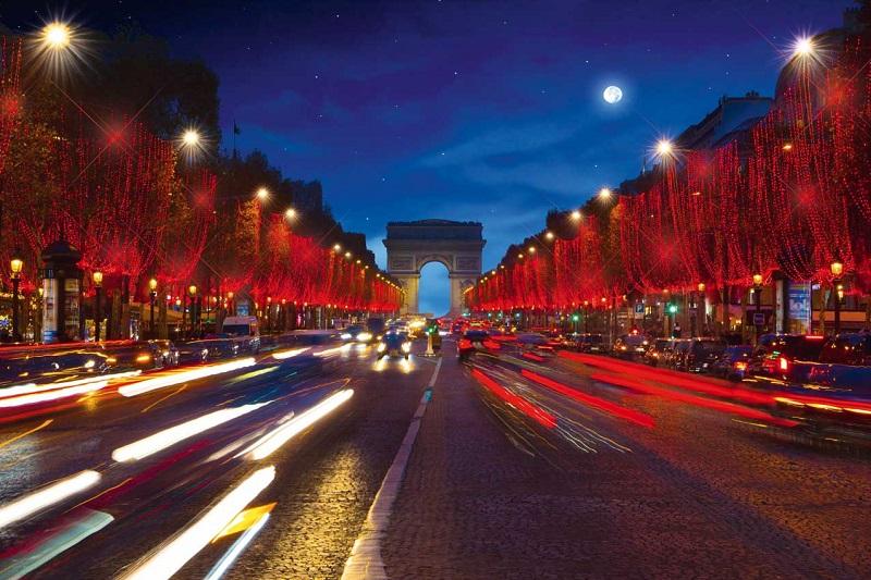 Paris é a terceira cidade mais iluminada do mundo