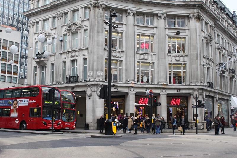 Loja H&M na Rua Oxford Street em Londres