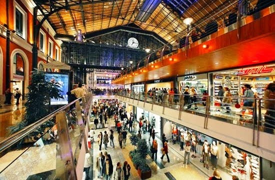 Lojas do Shopping Príncipe Pío em Madri