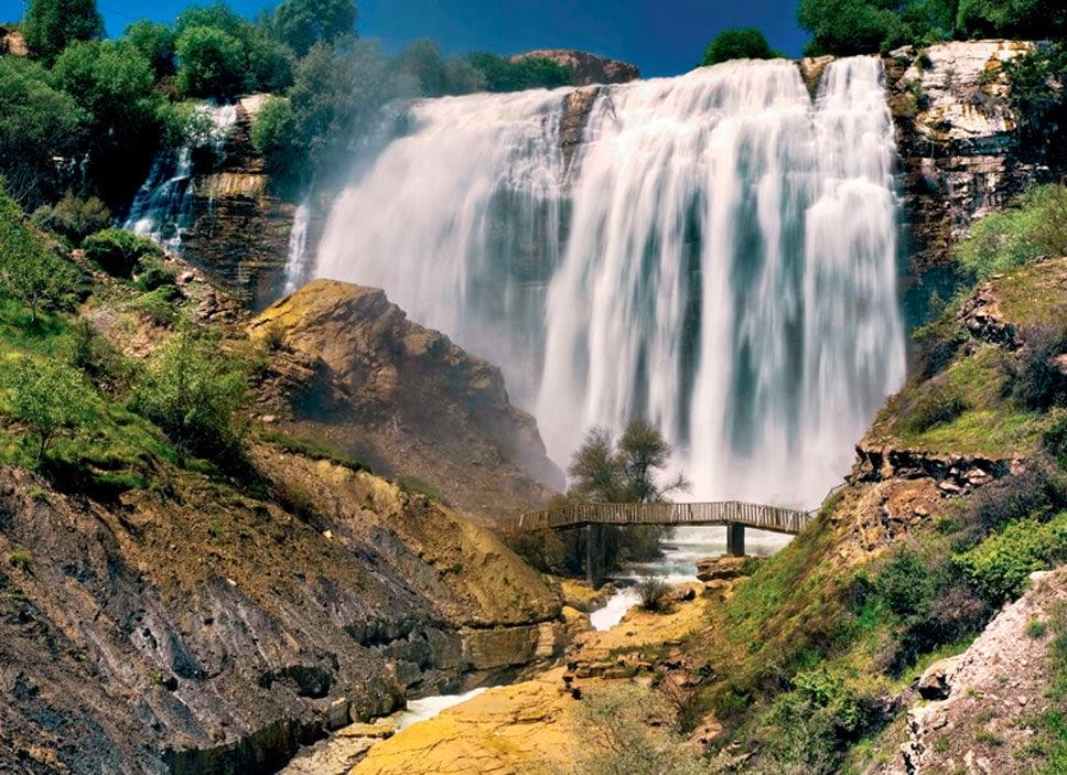 Cachoeira de Tortum na Turquia