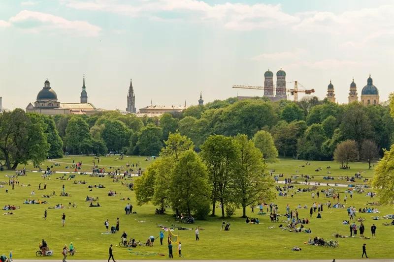 Parque English Garden em Munique | Alemanha