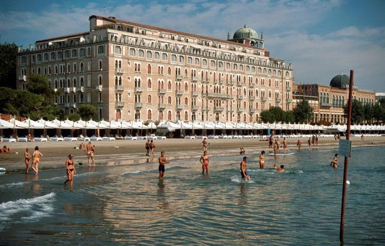 Pessoas na Ilha Lido de Veneza
