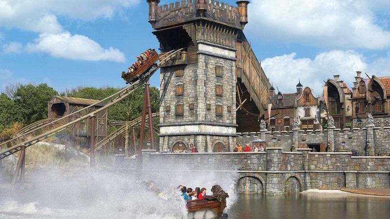 Atração do parque de diversões Efteling na Holanda