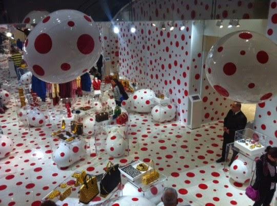 Interior do Espaço Cultural Louis Vuitton em Paris