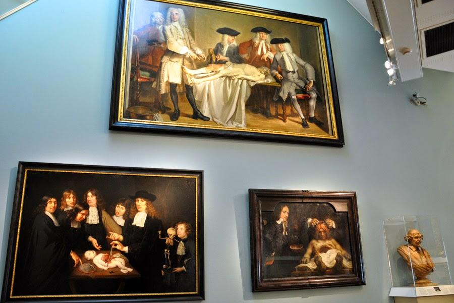 Obras no Museu Histórico de Amsterdam