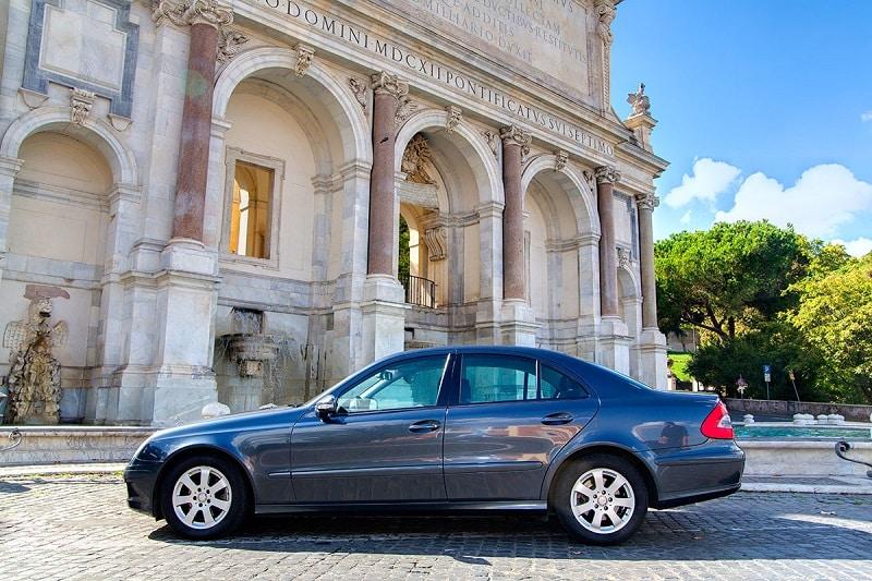 Como e onde alugar um carro na França