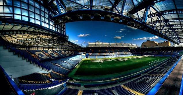 Interior do estádio Stamford Bridge do Chelsea