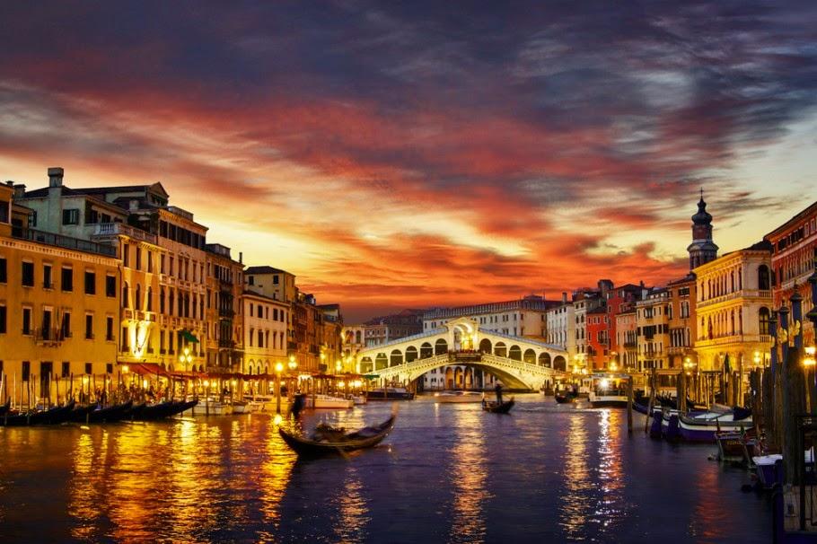 Canal Grande em Veneza na Itália