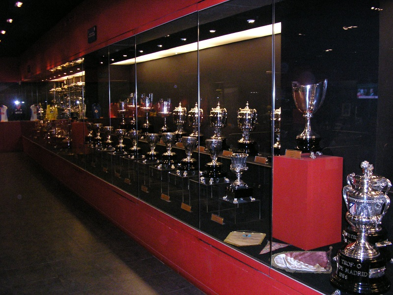 Troféus expostos no Museu do Atlético de Madrid em Madri