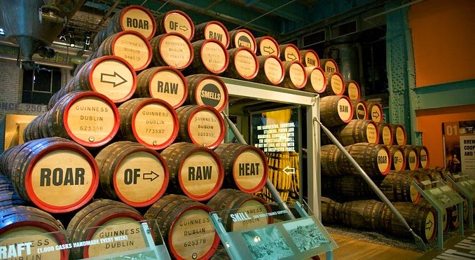 Barris no Museu da Cerveja Guinness Storehouse em Dublin