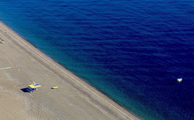 Praia Kalathos na ilha de Rodes