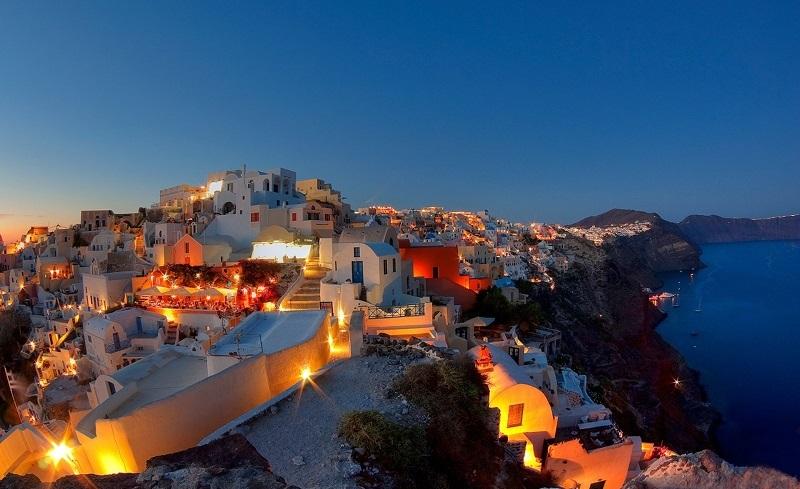 Noite na ilha de Santorini