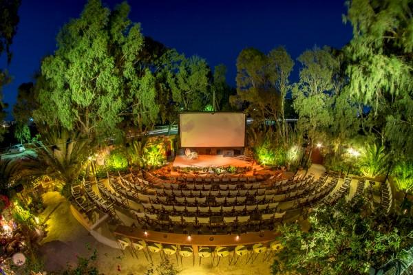 Cinema ao ar livre na ilha de Santorini