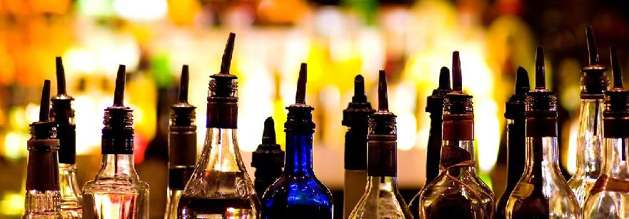 Bebidas no Pub Crawl em Praga