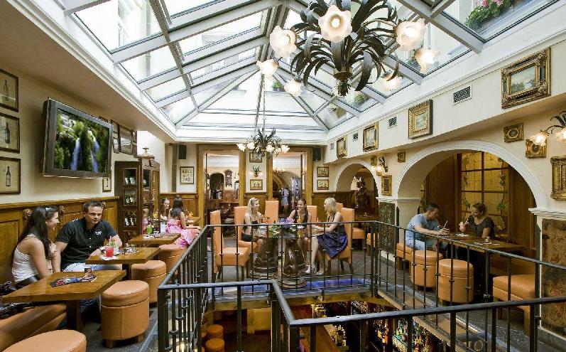 Hotel U Zlateho Stromu em Praga