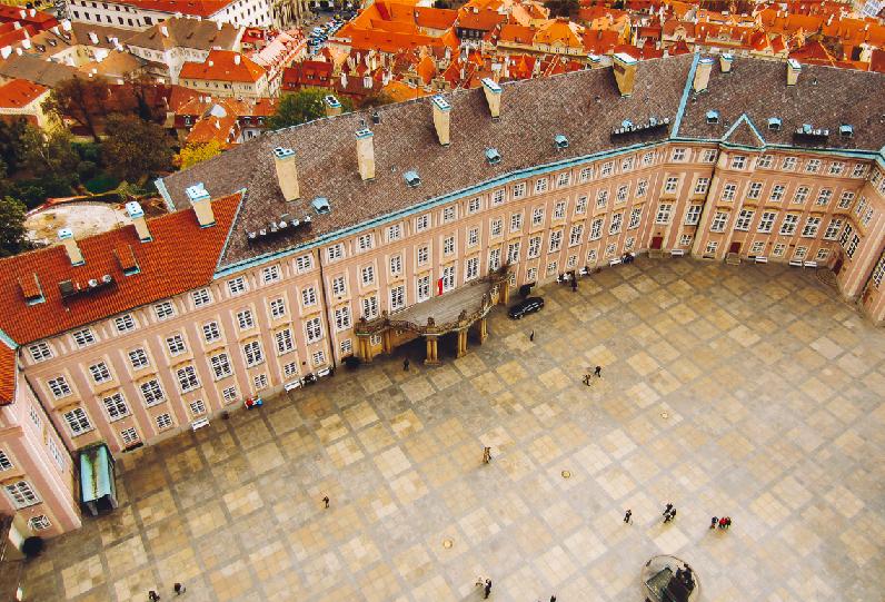 praça Malostranske Namesti em Praga