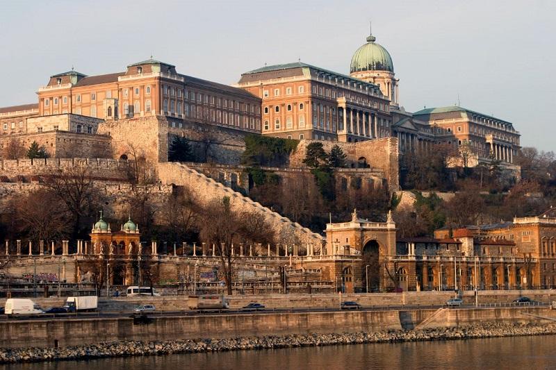 Passeio pelo distrito do castelo em Budapeste