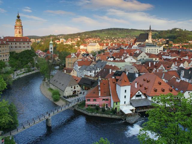 Quanto custa a passagem aérea para Praga | República Checa