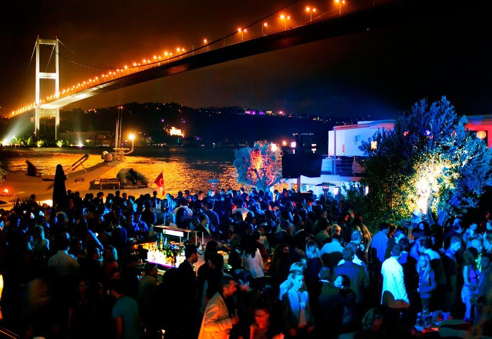 Balada Reina Club em Istambul na Turquia