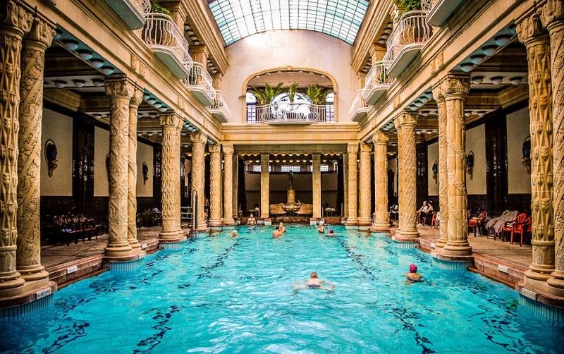 Banhos termais Géllert | Hungria