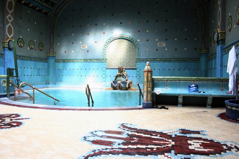 Piscina de banhos termais Géllert