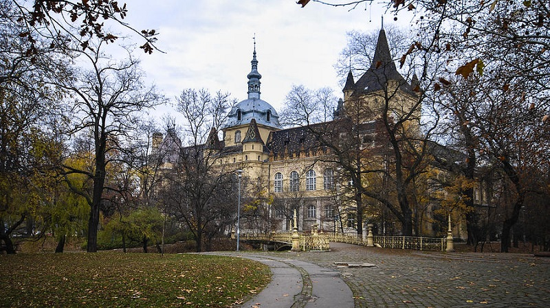 Fachada do Castelo Vajdahunyad